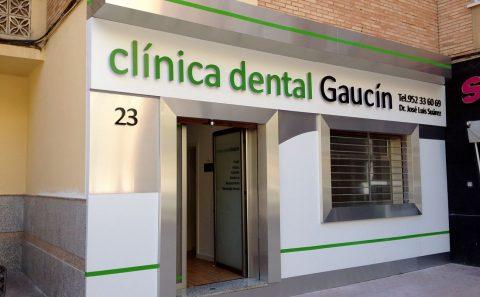 Decoración Fachada Clínica Dental Gaucín