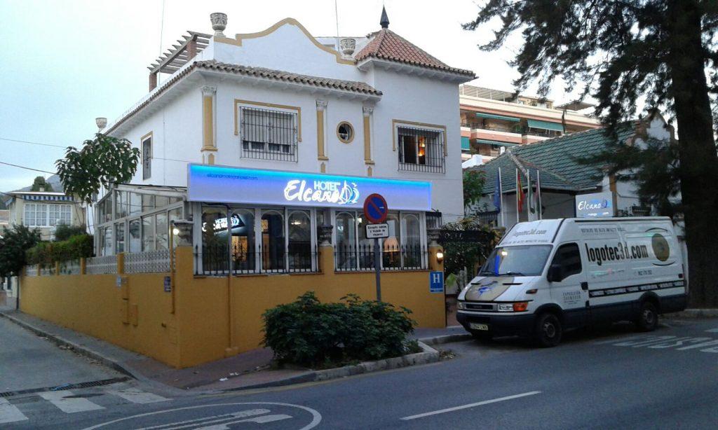 Hotel El Cano, rótulos luminosos y vinilos